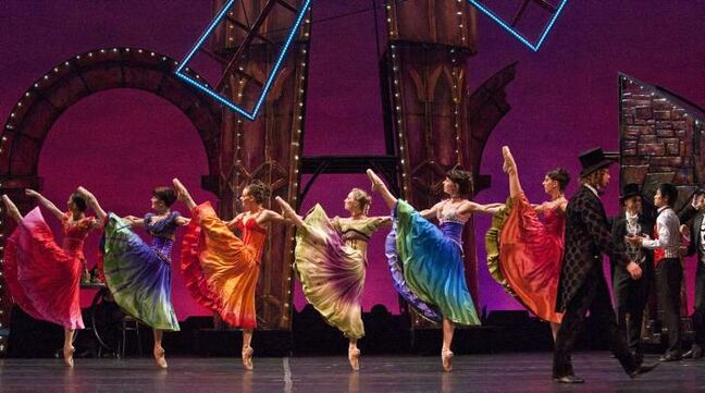 Dancers in the Royal Winnipeg Ballet's