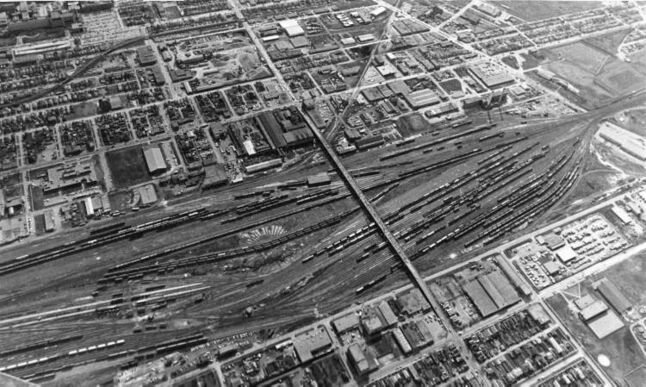 Ken Gigliotti / Winnipeg Free Press Archives April 21, 1980 An aerial photo of the CP Rail Yard with the Arlington Street Bridge.
