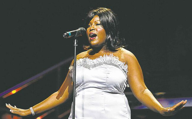 LaKisha Jones, above in a 2007 show, performed with the WSO Friday.