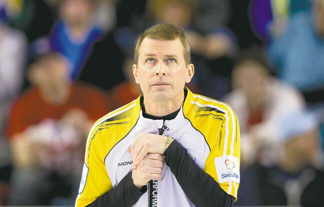 Ben Nelms / REUTERSManitoba skip Jeff Stoughton can�t believe it�s happening � he�s actually losing to Quebec in a crucial Brier showdown.