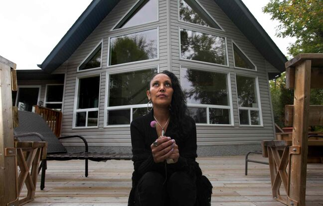 Edee O'Meara visits a rental home on Lake Winnipeg near Misty Lake lodge that was offered to her family.