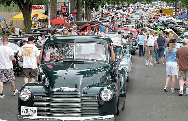 An estimated 100,000 spectators packed the Minnesota State Fairgrounds  last weekend for the 40th annual Back to the 50's weekend.