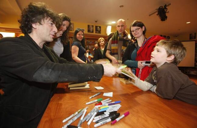 December 15, 2009: Bestselling author Neil Gaiman signs books at McNally Robinson Polo Park.