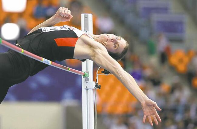 Derek Drouin captured bronze in high jump at world championships on Thursday.