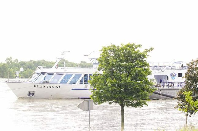 British tourists and 40 crew were stuck on the cruise ship Filia Rheni on the Danube river in Vienna after floods inundated the landing bridge of the ship.