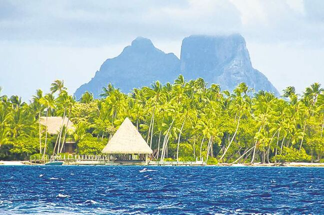 The mountainous islands of Taha'a and Raiatea, surrounded by a single continuous coral reef and sharing the same immense lagoon, offer an enchanting combination of ancient mysteries and breathtaking natural beauty.