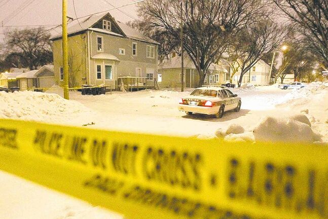 Winnipeg police said a body was found Sunday afternoon on Andrews Street in the William Whyte neighbourhood. (John Woods / Winnipeg Free Press)