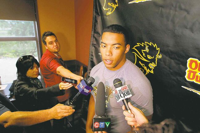 University of Manitoba Bisons defensive lineman Evan Gill is drawing the attention of both CFL and NFL scouts.