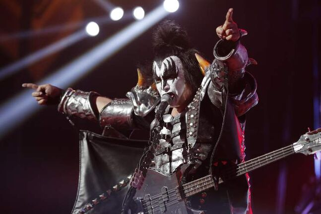 Gene Simmons lets the crowd know what's what.