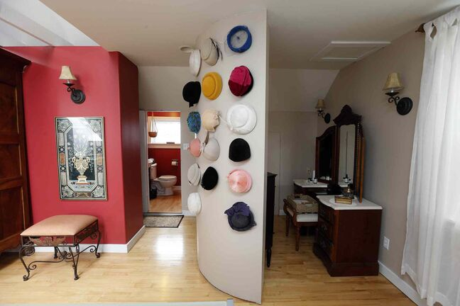The bathroom and dressing room are decorated in a decidedly modern style.