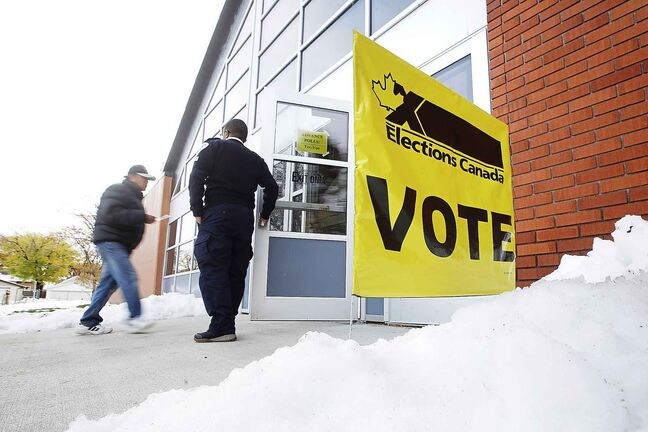 Elections Canada has bent over backwards to make it easy for people to use the advance polls and the campus polls. (John Woods / Winnipeg Free Press)