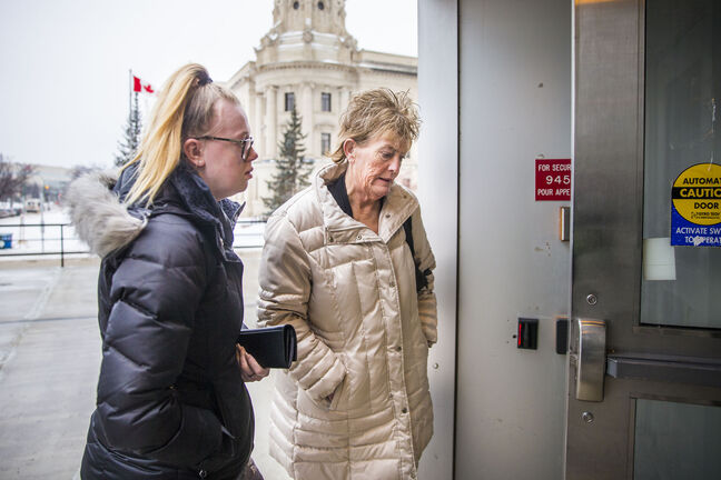 Heather Grant-Jury walks into court in Winnipeg Thursday for her sentencing hearing. (Mikaela MacKenzie / Winnipeg Free Press)