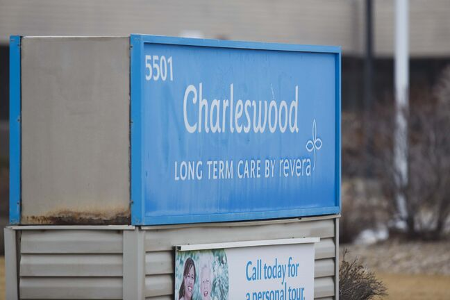 MIKE DEAL / WINNIPEG FREE PRESS Charleswood Long Term Care Centre by Revera, 5501 Roblin Blvd. Toady six more COVID-19 deaths were announced there. 201210 - Thursday, December 10, 2020.