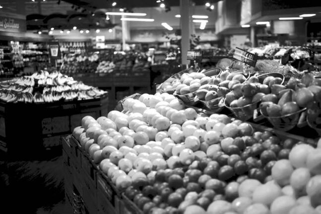 Healthy foods should be subsidized in grocery stores, argues nutrition student.