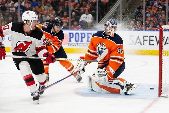 4637f6601 Balanced attack powers Devils past Oilers 6-3