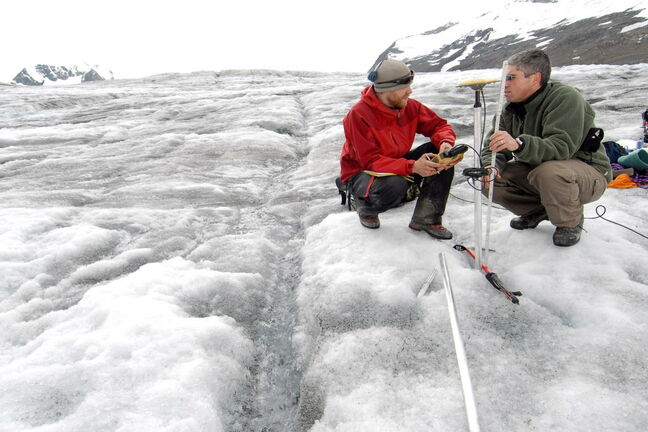 B.C. scientists examine decline in glacial thickness.