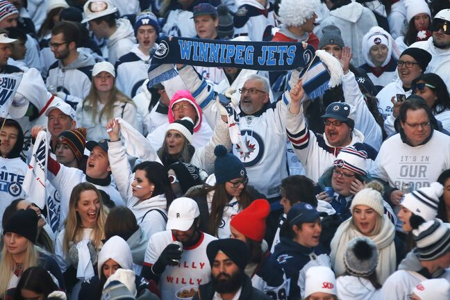 River City Sports has outfitted many Winnipeg sports fans over the years. (John Woods / The Canadian Press files)