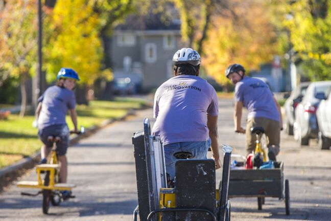 MIKAELA MACKENZIE / WINNIPEG FREE PRESS</p><p>Velo Renovation works with in-place delivery systems to ensure needed materials reach the job site.</p>