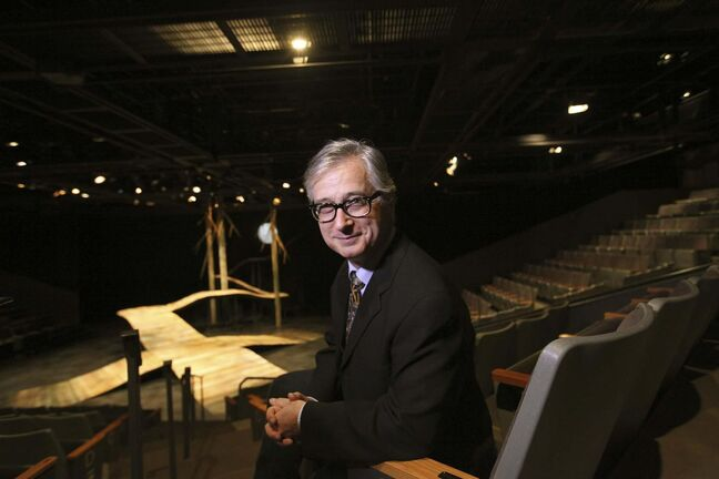 Longtime PTE artistic director stepping down