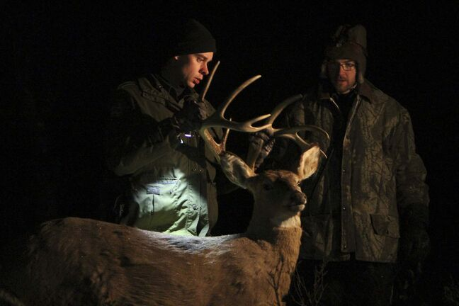 RYAN THORPE / WINNIPEG FREE PRESS</p><p> An overnight operation targeted illegal night hunters near Pearson last year.