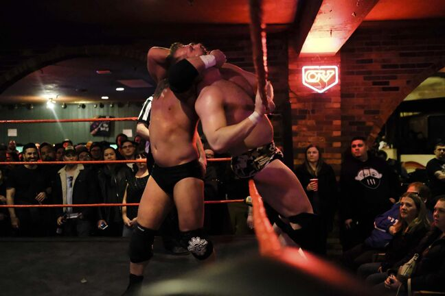 Daniel Crump / Winnipeg Free Press</p><p>Tyson Dux has Tyler Colton in a headlock and on the ropes. Winnipeg Pro Wrestling at the Sherbrook Inn, Winnipeg.</p>