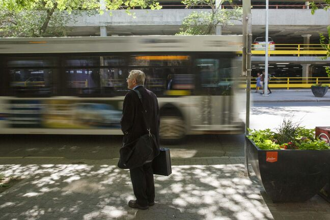 MIKE DEAL / WINNIPEG FREE PRESS</p><p>There's no consensus on why ridership has fallen, but reliability is undoubtedly a factor, says columnist Tom Brodbeck.</p>
