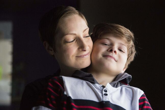 MIKAELA MACKENZIE / WINNIPEG FREE PRESS</p><p>Catherine Wreford and her son Elliot Ledlow are in the new RMTC production Fun Home.</p>