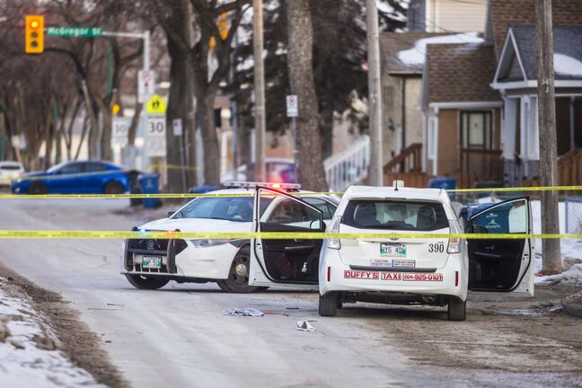 Police responded to the scene about 5:25 a.m., after the driver activated his vehicle's distress signal. (Mikaela MacKenzie / Winnipeg Free Press)