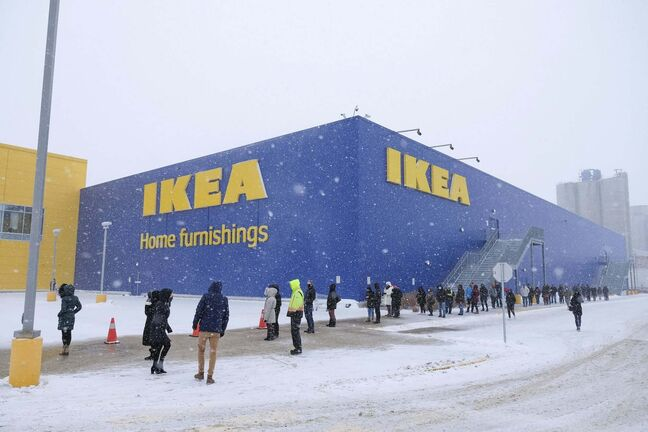 Daniel Crump / Winnipeg Free Press.</p><p>Customers lined up outside IKEA after restrictions were eased on Jan. 23.</p>