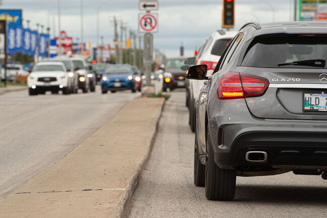 Manitoba vehicle owners should be getting a bigger rebate from MPI, says  the Consumers' Association of Canada (Manitoba). (Mike Sudoma / Winnipeg Free Press files)