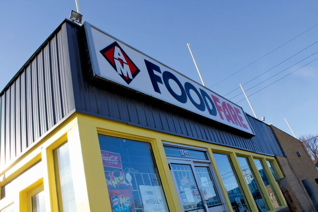 Food Fare franchisee Moe Zeid, who owns five locations in Winnipeg, says he is still negotiating a takeover of the Food Fare at Arlington and Polson.