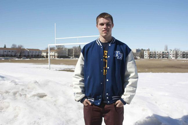River East Kodiaks linebacker Donovan Hillary committed to the Queen's Golden Gaels for the 2014 season.