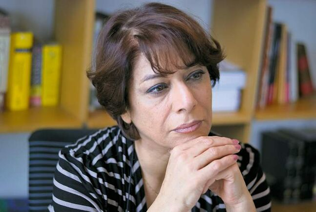 Iranian author Parinoush Saniee is also a psychologist and sociologist.