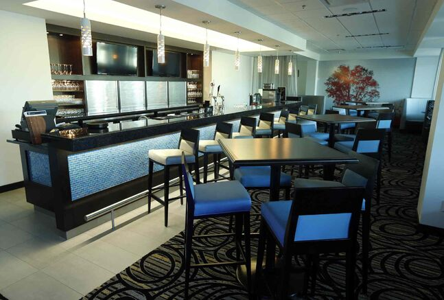 Blue Marble Restaurant and Lounge at the Grand Winnipeg Airport Hotel