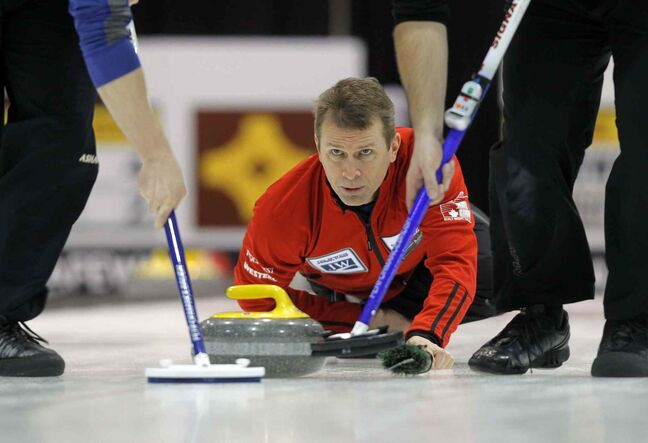 Defending champion Jeff Stoughton of Charleswood curling club has secured an opening round playoff spot at the 2014 Safeway Championship at MTS Iceplex.