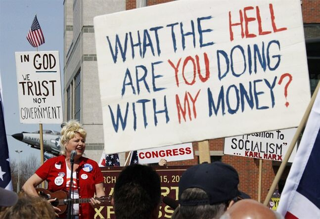 Victoria Jackson sings a song during a tea party rally in Buffalo, N.Y. on April 12, 2010. THE CANADIAN PRESS/AP, David Duprey