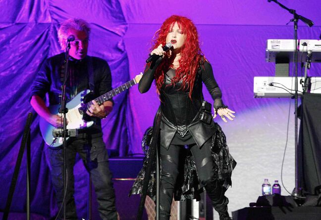 Alongside her 1980s pop hits, Cyndi Lauper's performance of Etta James' At Last proved she's still got her voice.