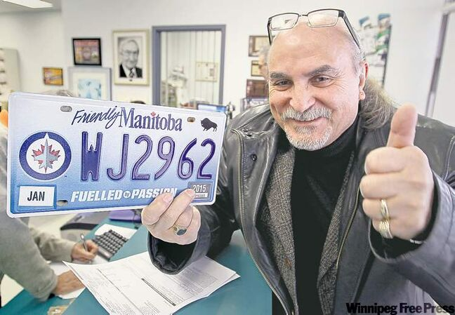 Excited Hockey Fans Snap Up First 10,000 Jets Plates