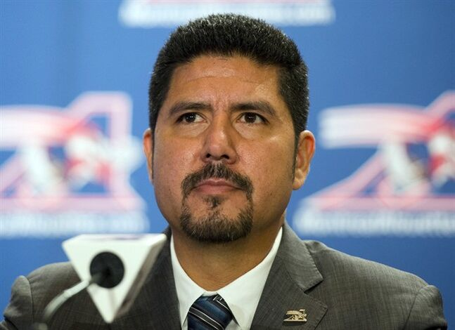 Montreal Alouettes quarterback Anthony Calvillo announces his retirement at a news conference, Tuesday, Jan. 21, 2014 in Montreal. THE CANADIAN PRESS/Ryan Remiorz