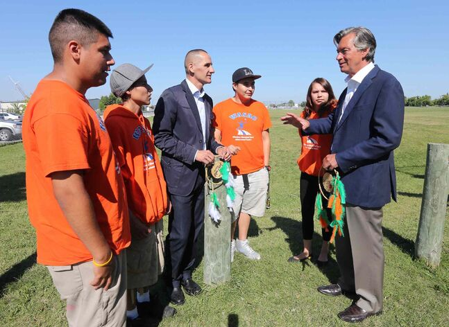 Canadian Ambassador to the U.S. Gary Doer (right) talks with four youth selected to go to Washington: Carley Henderson, (from left) Dylan Boyes, Kevin Chief,  Sterling Muskego, and Tommy Raven.