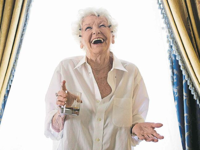 Elaine Stritch personified the term 'brassy' in her many roles on the stage and screen.