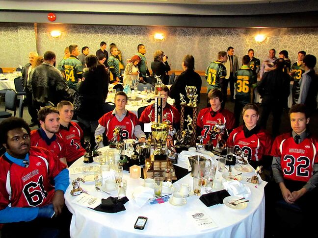 The Midget Football League of Manitoba recently hosted its banquet at the Norwood Hotel, when numerous midget awards were handed out to players and coaches of the St. Vital Mustangs.