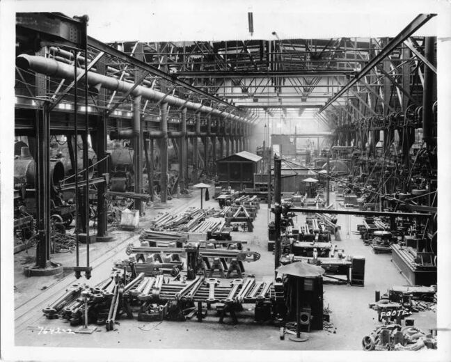 L. B. Foote / Winnipeg Free Press Archives The Erecting Shop. Weston CP Rail Shops