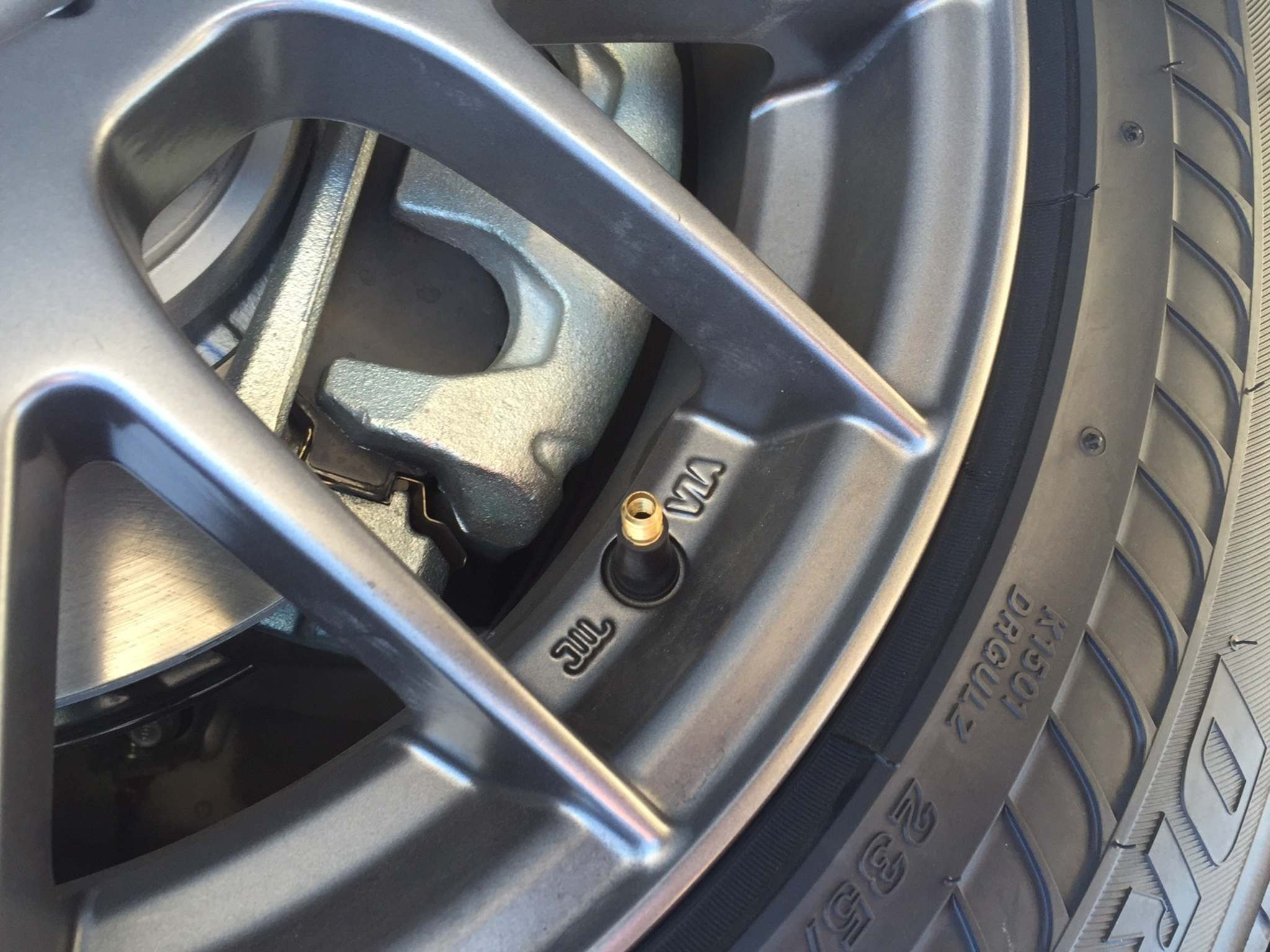 Photos by Kelly Taylor / Winnipeg Free PressBridgestone Driveguard tire with the valve stem removed. In other words, completely flat.