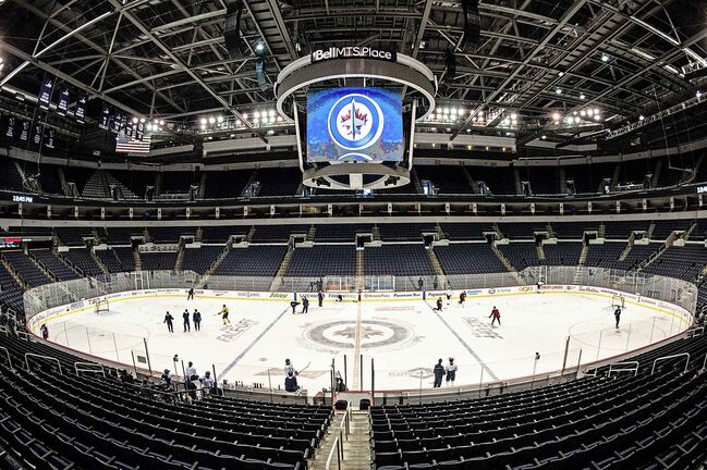 The Winnipeg Jets practise at Bell MTS Place. (Mike Sudoma / Winnipeg Free Press)