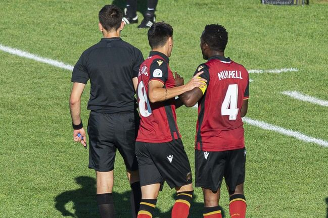 Valour FC captain Jordan Murrell (4) was red-carded for bumping an official and then kicking the scorer's table. (Trevor MacMillan / HFX Wanderers FC)</p>