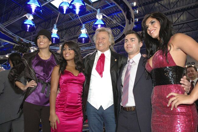 MELISSA RAE GRABOWSKY/ WINNIPEG FREE PRESS FILES</p><p>From left: Bojana Djukic, Danyane Gomez, Peter Nygard, Ryan Marcel Daneault and Suelyn Medeiros at Nygard for Life in September 2008. A lawsuit claimes Medeiros lured young women to Nygard's Bahamian estate to be raped.</p>