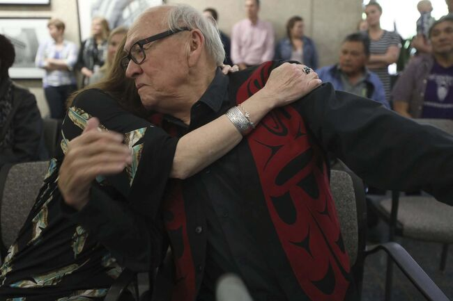<p>RUTH BONNEVILLE / WINNIPEG FREE PRESS FILES</p><p>Fontaine embraces his wife, Morgan, after a 2018 speaking engagement at the Susan A. Thompson Building at Winnipeg city hall.</p>