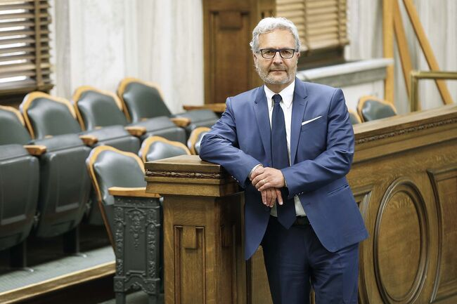 The chief justice of Manitoba's Court of Queen's Bench, Glenn Joyal, says he's been followed by a private investigator. (John Woods / Winnipeg Free Press files)