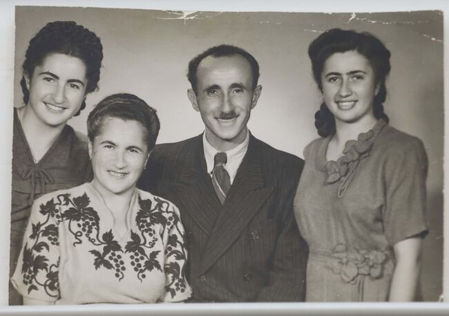 <p>SUPPLIED</p><p>The Finkel family in 1947.</p>